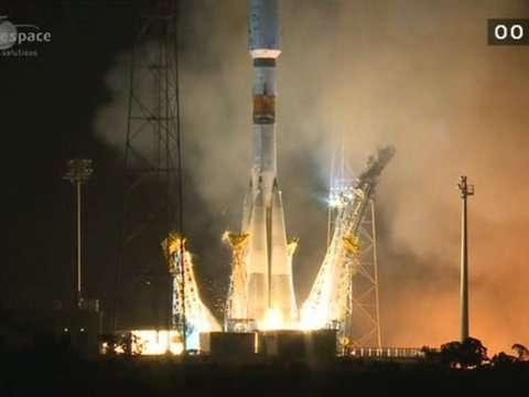 Le décollage du lanceur Soyouz ST emportant l'observatoire Gaia depuis le Centre spatial guyanais, le 19 décembre 2013 à 9 h 12 TU. Une vingtaine de jours sont encore nécessaires avant qu'il atteigne sa destination finale. © Arianespace