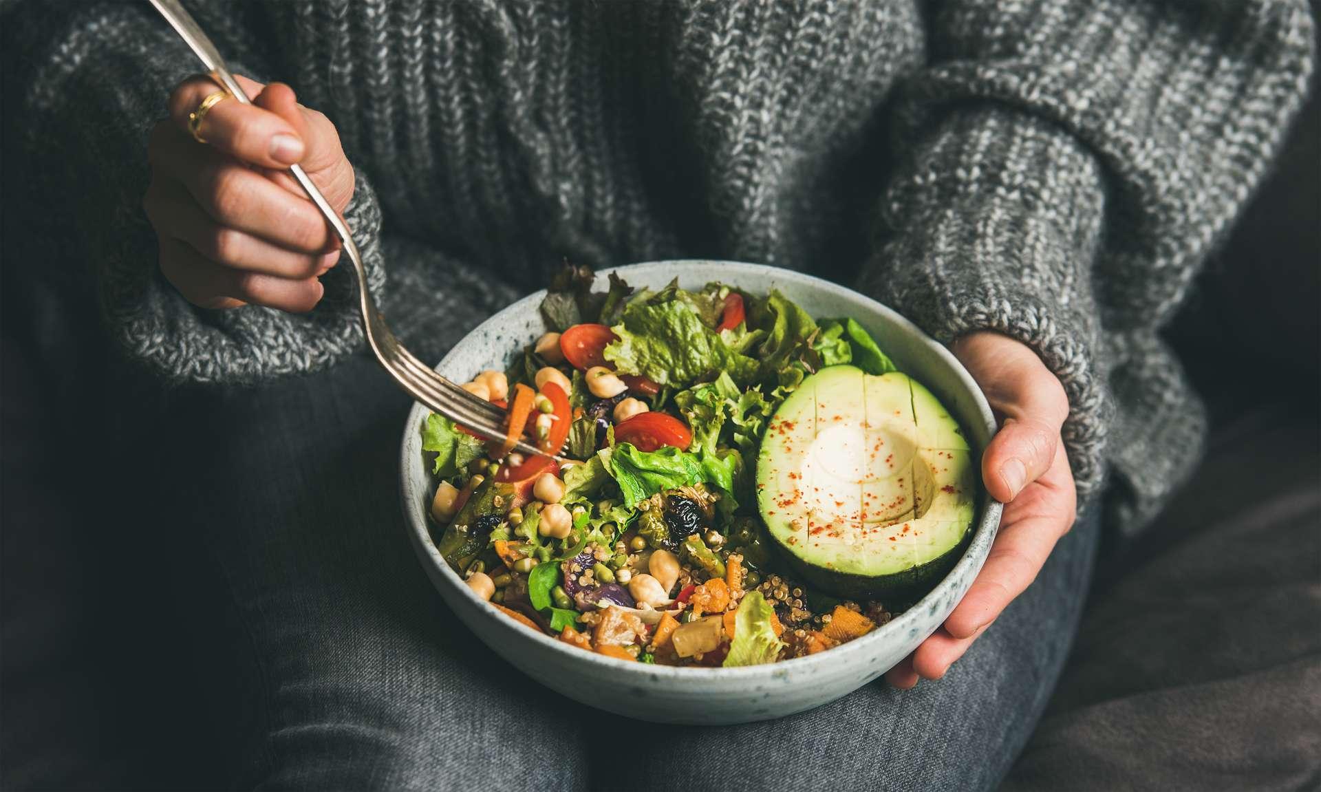 Un régime alimentaire végétarien est riche en nutriments et vitamines qui favorisent l'immunité. © sonyakamoz, Adobe Stock