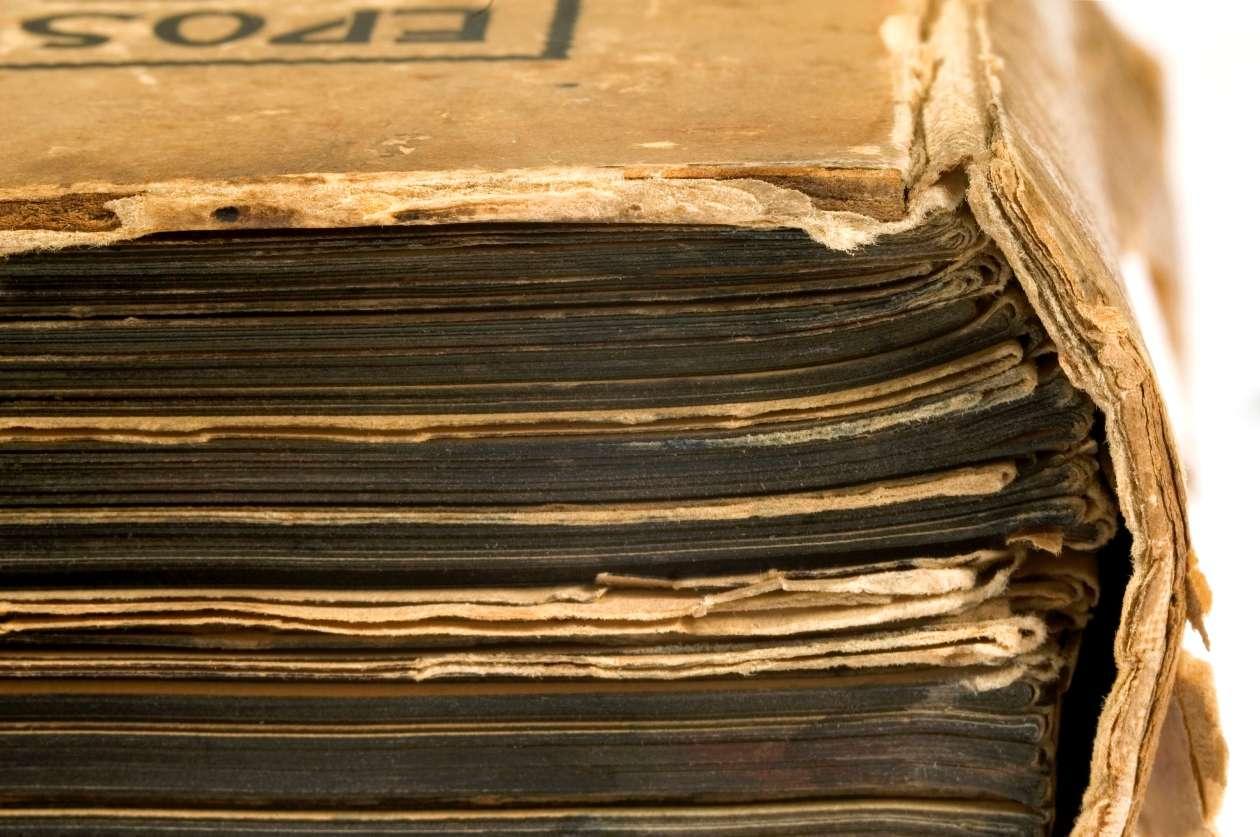 Les vieux livres qui se dégradent peuvent-ils abîmer leurs voisins ? La British Library de Londres le craint et préfère prendre la mesure de ce qui se passe en amont pour s'éviter des problèmes de restauration. © Sierpniowka, StockFreeImages.com