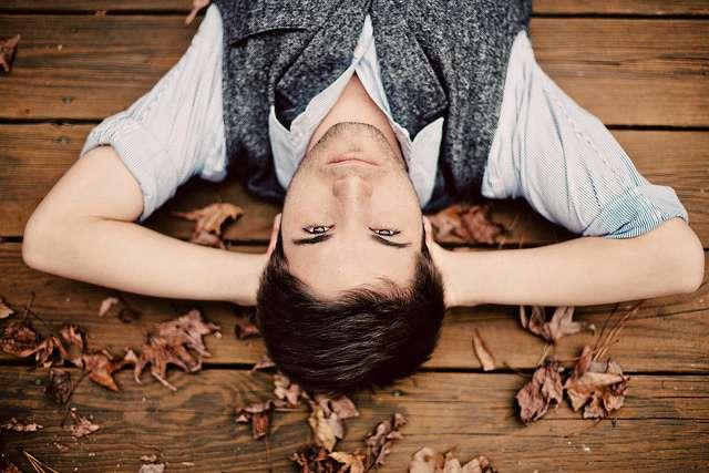 Moins de travail, plus de temps libre et donc moins de dépression ? C'est en tout cas l'une des hypothèses pouvant expliquer l'évolution de la santé mentale des Américains pendant la crise. © Brandon Warren, Flickr, CC by-nc 2.0