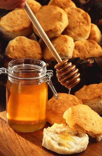 La défensine est retrouvée dans le miel. Crédits DR.