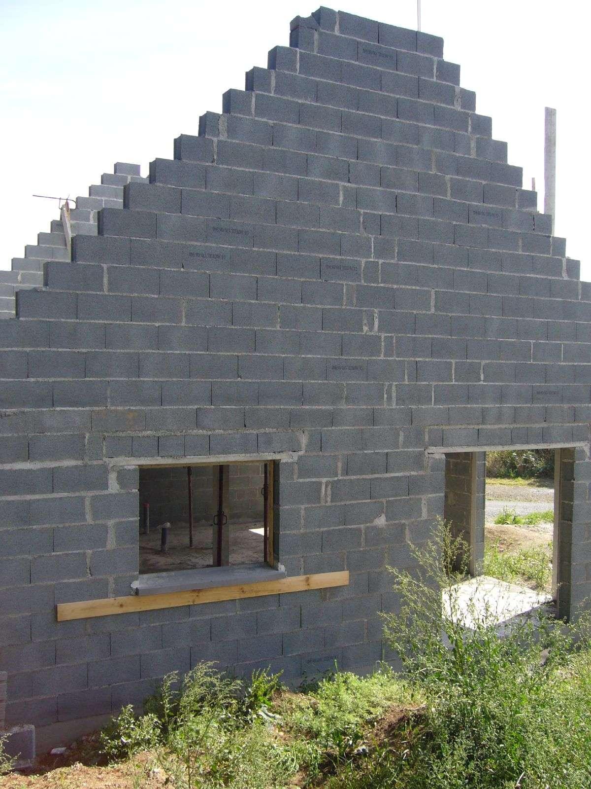 La maçonnerie d'élévation désigne la construction des murs porteurs et intérieurs d'une habitation. © fredpallu, CC BY-NC-SA 2.0, Flickr