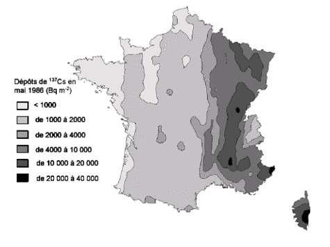 Incrustation dans la carte de l'Atlas européen du césium, de la carte des dépôts de césium 137 en France dus à l'accident de Tchernobyl (mai 1986).
