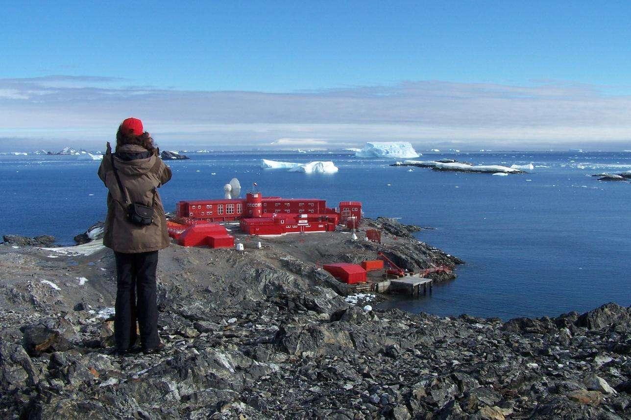 36 personnes, dont 10 civils, ont été contaminées à la Covid-19 sur la base chilienne de Bernardo O'Higgins Riquelme en Antarctique. © Stone Monki, Wikipedia