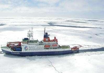 Le Polarstern, navire de recherche de l'Institut Alfred Wegener de recherche marine et polaire Crédit : http://www.awi-bremerhaven.de