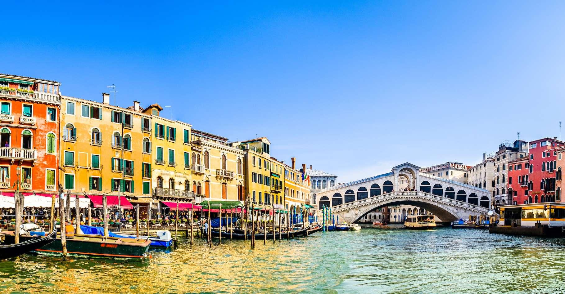 En l'absence de touristes, Venise a retrouvé des eaux claires. Un effet positif de la crise du coronavirus. © fotoo, Adobe Stock