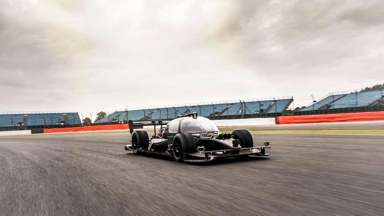 Roborace : la voiture de course autonome DevBot impressionne déjà