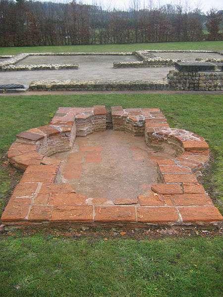 Vestiges d'impluvium romain à Vieux-la-Romaine (Normandie). © Urban, Domaine public, Wikimedia Commons