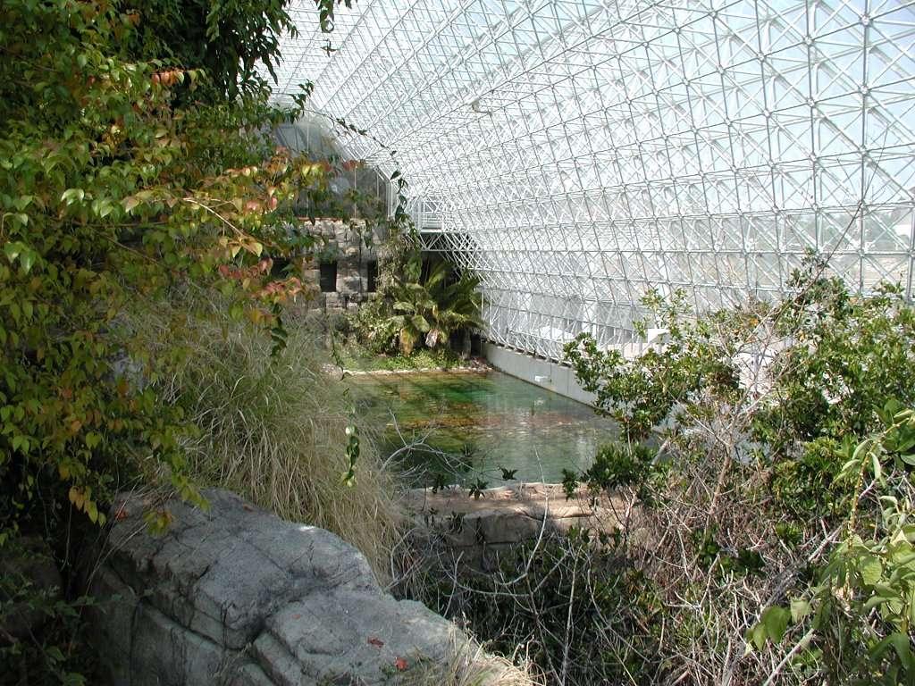 Une vue de Biosphere 2, un projet pour préparer la colonisation du Système solaire. © Colin Marquardt