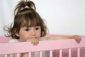 L'air des chambres d'enfants est souvent pollué par des composés organiques volatils qui ont des conséquences potentielles sur leur santé. © Pauline Vos