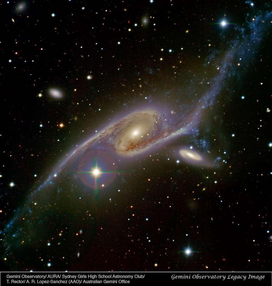 Rencontre galactique dans la constellation du Paon entre NGC 6872 et IC 4970. © Sydney Girls High School Astronomy Club/Travis Rector/Ángel López-Sánchez/Australian Gemini Office