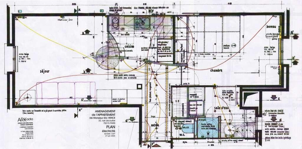 Le réseau électrique domestique doit pouvoir être représenté sur un schéma afin d'identifier les différents câblages qui traversent l'habitation. © Eric, CC BY 2.0, Flickr