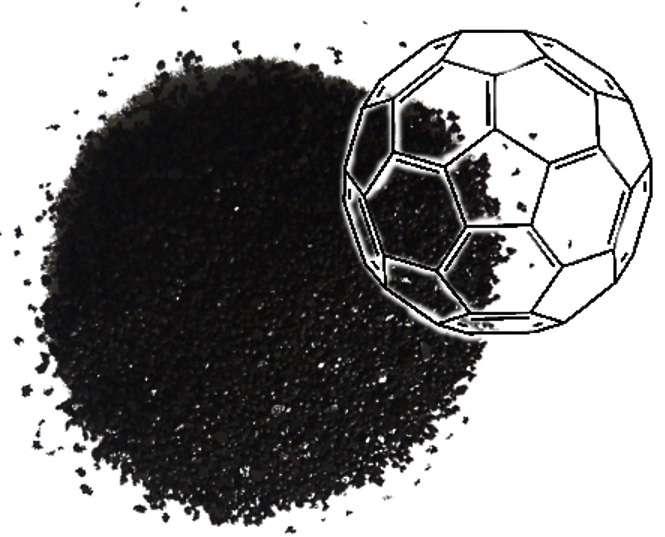La molécule carbonée C60, allias le buckminsterfullerène, avait déjà été proposée pour stocker de l'hydrogène destiné à alimenter des piles à combustible. Elle se présente sur cette photo sous la forme d'une poudre noire. On peut s'en servir pour obtenir un composé aminé capable de stocker du gaz carbonique. © the Barron Research Group, Rice University