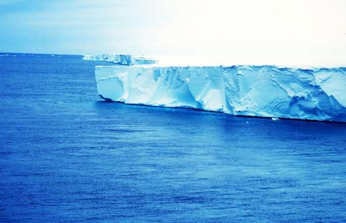 Extrémité de la plate-forme glaciaire de Ross en Antarctique. © Van Woert / Noaa Nesdis / Ora