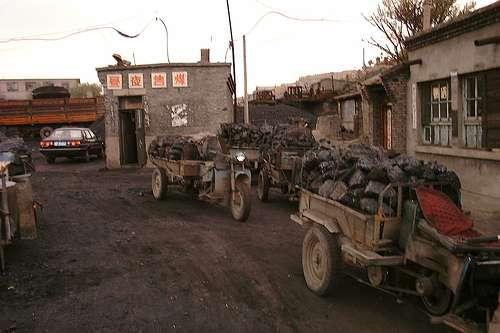 Mine de charbon en Chine. Ce sont les usines de charbon chinoises qui seraient à l'origine des émissions de sulfures responsables d'un réduction du réchauffement climatique. © Lhoon, Flickr, CC by-sa 2.0