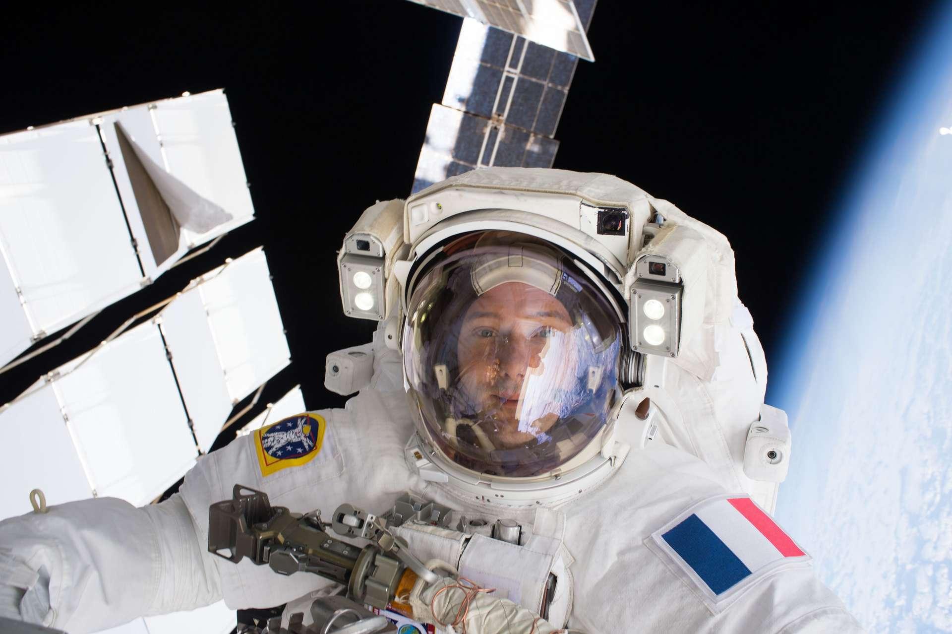 Thomas Pesquet lors de sa sortie dans l'espace. © ESA, Nasa