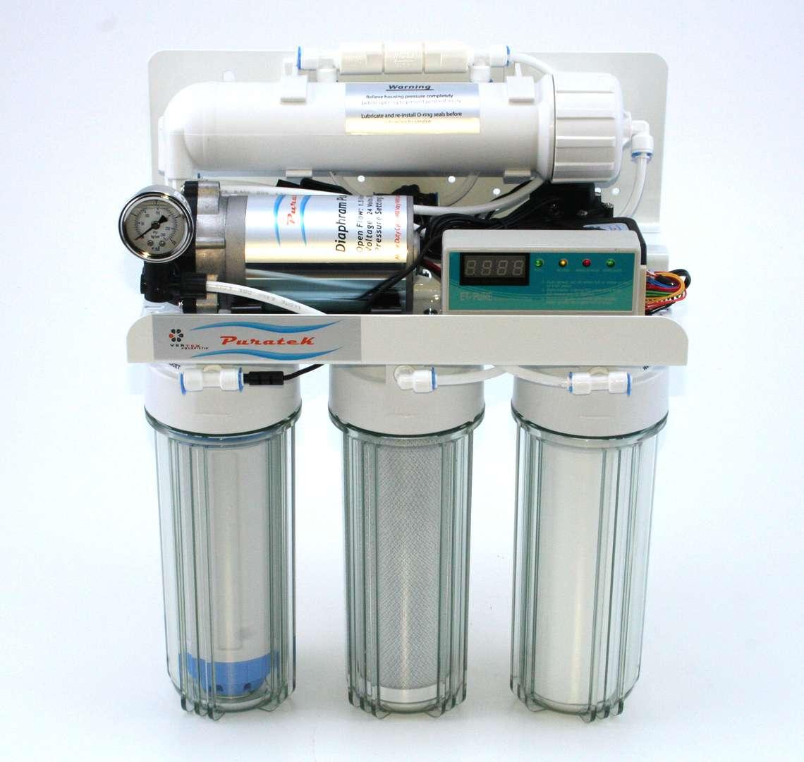 Un modèle d'osmoseur utilisant l'osmose inverse dans le but de filtrer l'eau de façon optimale. © Kingfish101, Wikimedia Commons, cc by sa 3.0