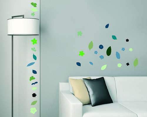 Le sticker mural permet de varier la décoration de son habitation à moindre coût. © Simon Mason, CC BY-SA 2.0, Flickr