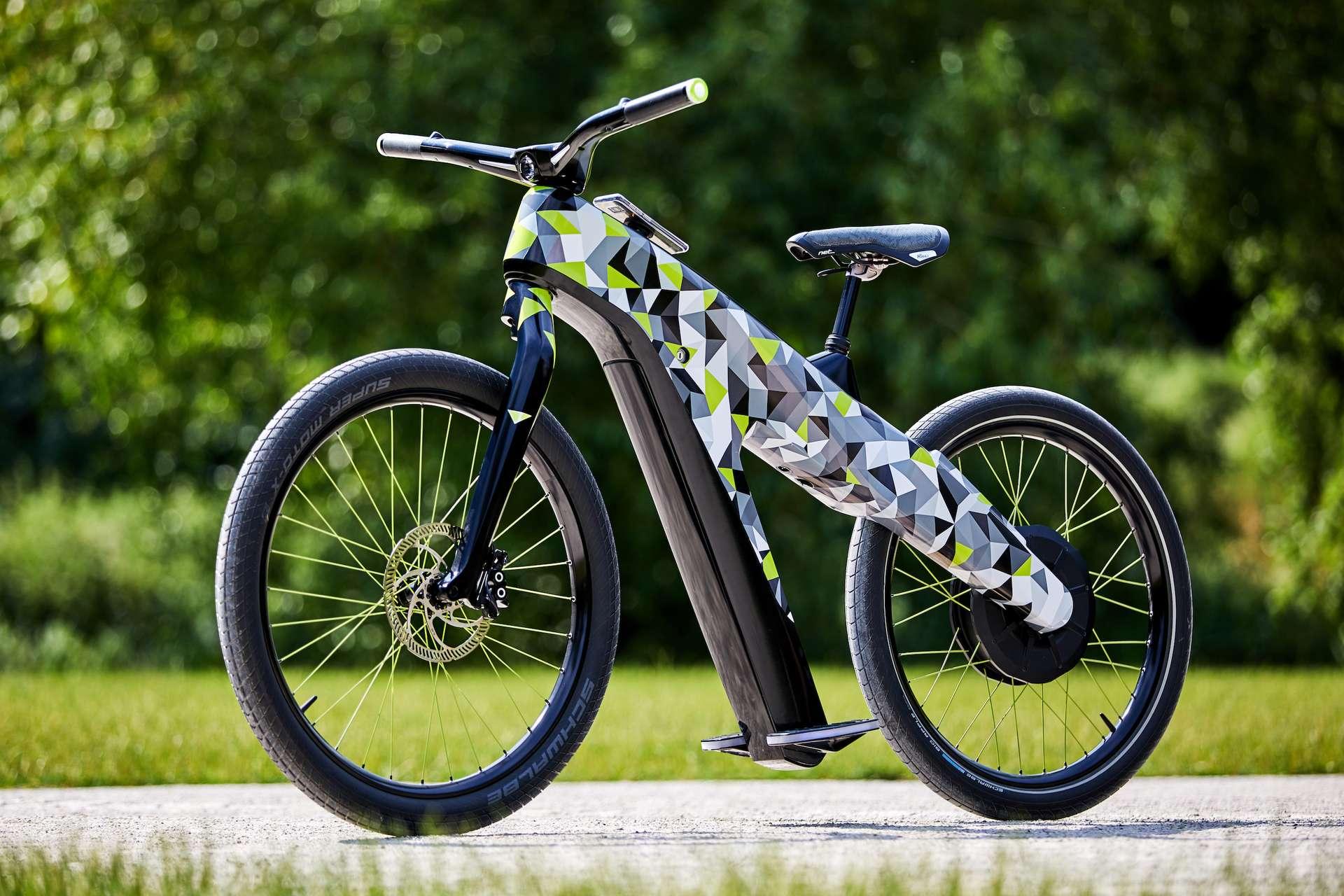 Le Skoda Klement est un hybride entre le vélo électrique et le cyclomoteur. © Skoda
