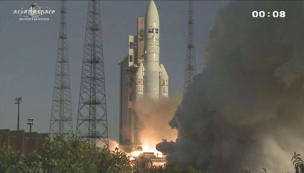 Le tir VA208 d'une Ariane 5 le jeudi 2 août 2012 à 20 h 54 TU depuis le CSG. Le lanceur a mis sur orbite les satellites Intelsat 20 et Hylas 2. © Esa/Arianespace