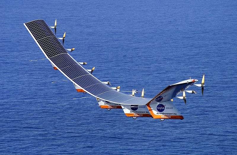 En 2001, l'Helios, un drone solaire, grimpe à près de 30.000 mètres (29.524 exactement), établissant un record d'altitude pour un avion sans moteur-fusée. © Licence Creative Commons