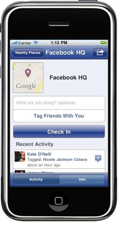 Tapotez sur Check in et tout le monde saura où vous êtes. © Facebook