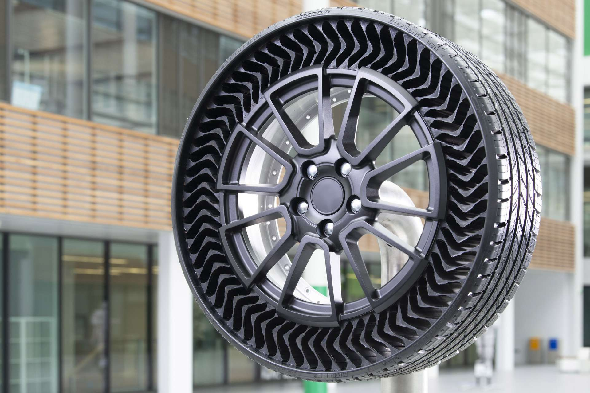 Michelin assure que l'Uptis pourra être utilisé en conditions normales par une voiture de tourisme. © Michelin