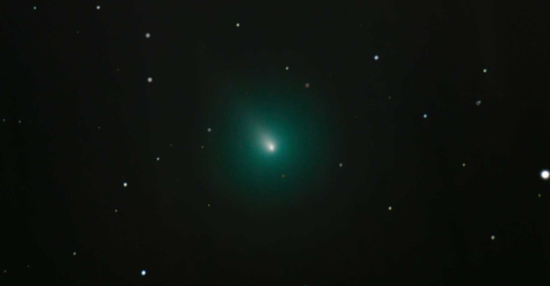 Les astronomes attendent avec impatience les données enregistrées par la sonde Solar Orbiter lors de son passage dans les queues de la comète Atlas. © Kevin, Adobe Stock