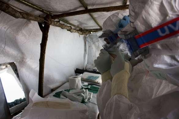 La fièvre hémorragique Ébola est une des maladies les plus virulentes au monde et son taux de létalité peut atteindre 90 %. Les premiers cas en Guinée ont été signalés à l'OMS en mars 2014. © MSF