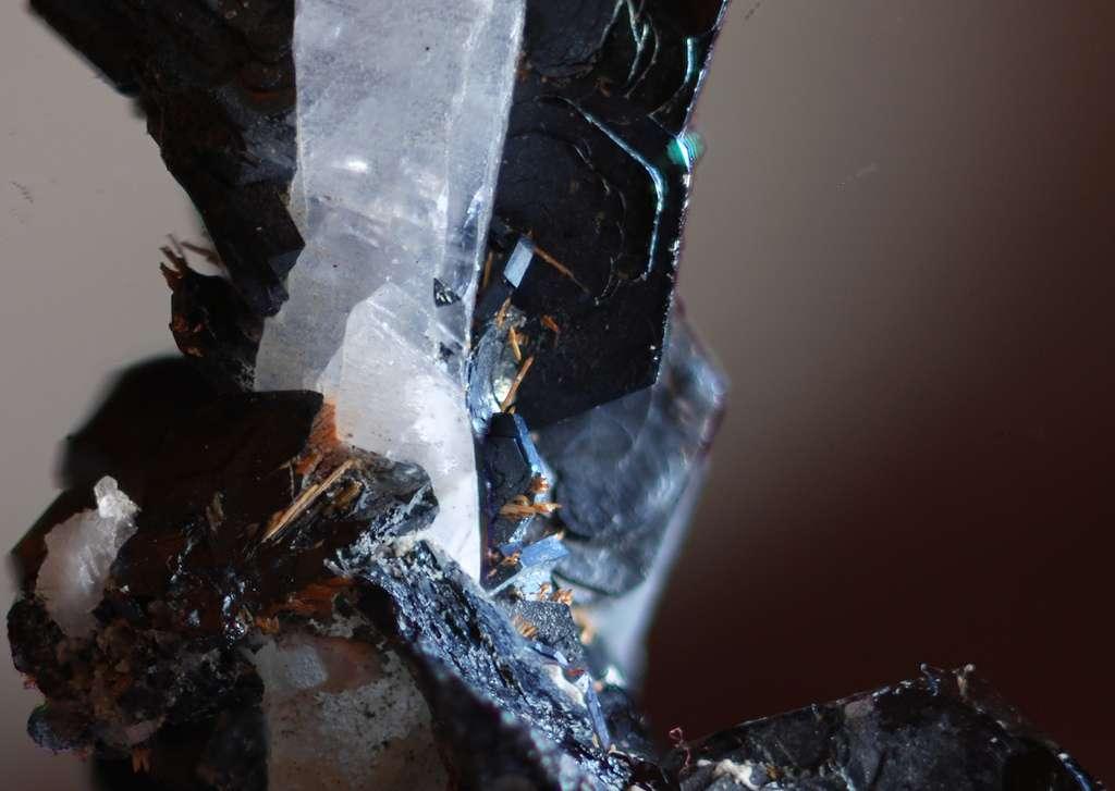 le rutile peut former des gisements détritiques. © Reve errant, Flickr CC by nc-nd 2.0