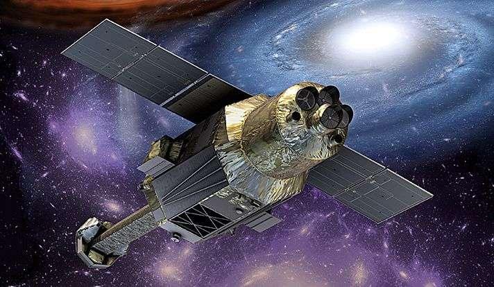 Le satellite Hitomi semble mal en point ; il est aujourd'hui entouré de débris spatiaux. Il a notamment pour objectif d'observer et étudier les grandes structures de l'univers – dont le gaz chaud situé dans les amas de galaxies et son interaction avec la matière noire. © Jaxa