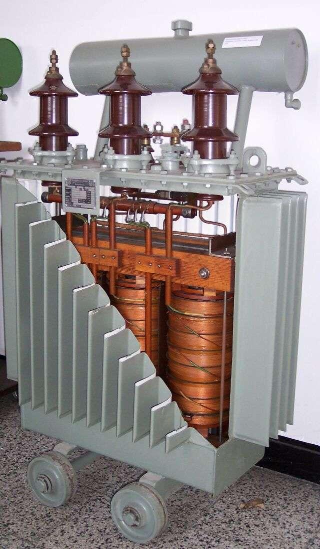Le transformateur de séparation sert à isoler les courants électriques. © Stahlkocher, CC BY-SA 3.0, Wikimedia Commons