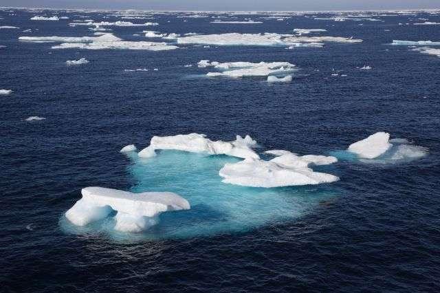 La mer de Tchouktches bordeles continents américain et asiatique, respectivement en Alaska et en Russie. Elle communique avec l'océan Pacifique par le détroit de Béring. Sa superficie est de 595.000 km². © Achim Baque, shutterstock.com