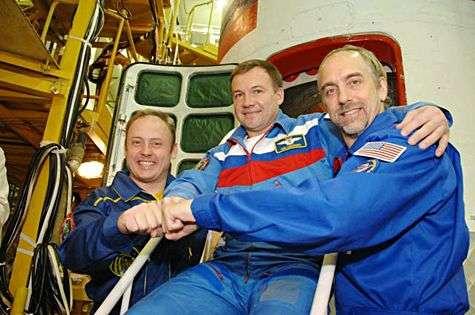 Michael Fincke, Yuri Lonchakov et Richard Garriott. Crédit Nasa