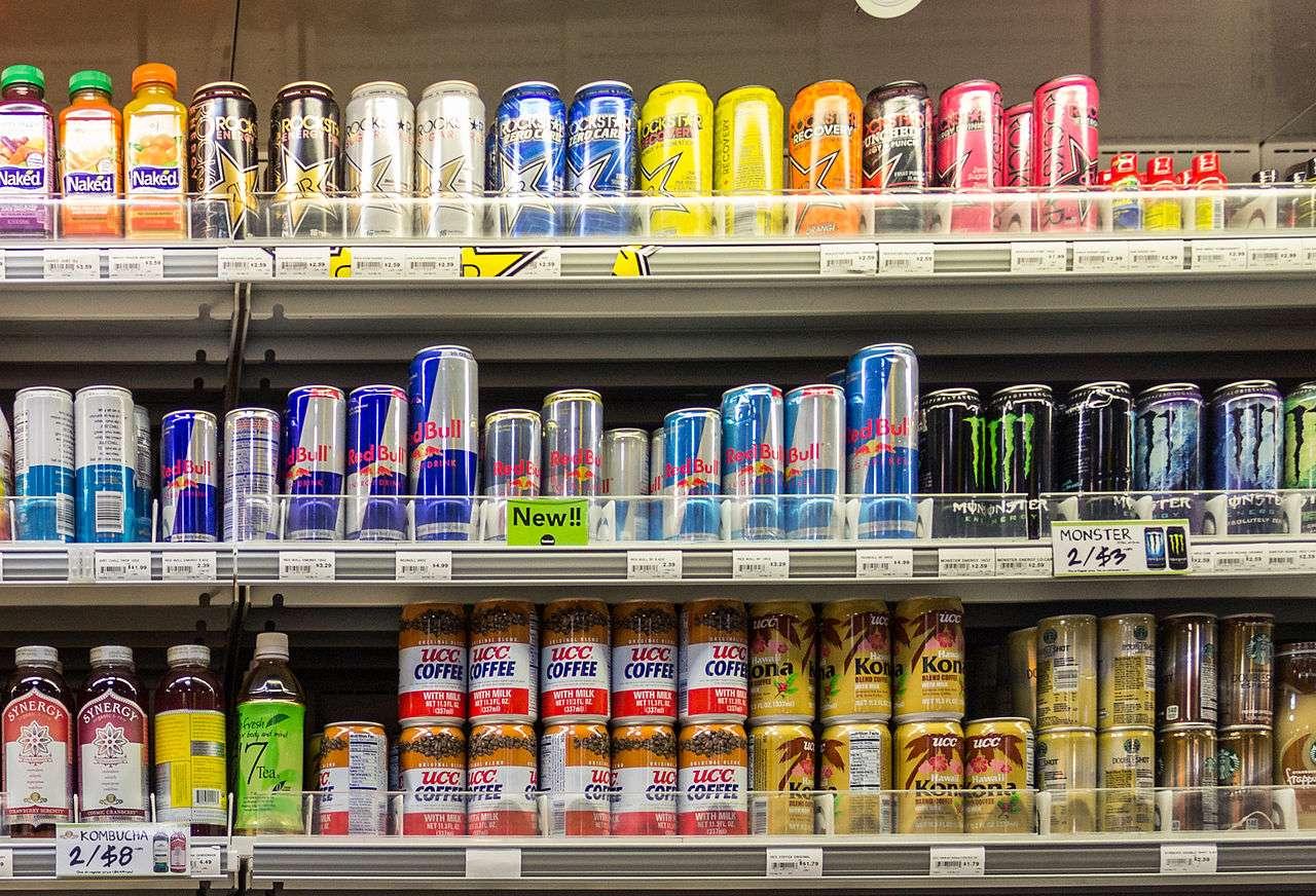 Les boissons énergisantes comportent des substances actives qui agissent sur le système nerveux. Elles ne sont vraiment pas à conseiller pour les enfants. © Dietmar Rabich, rabich.de, cc by sa 4.0