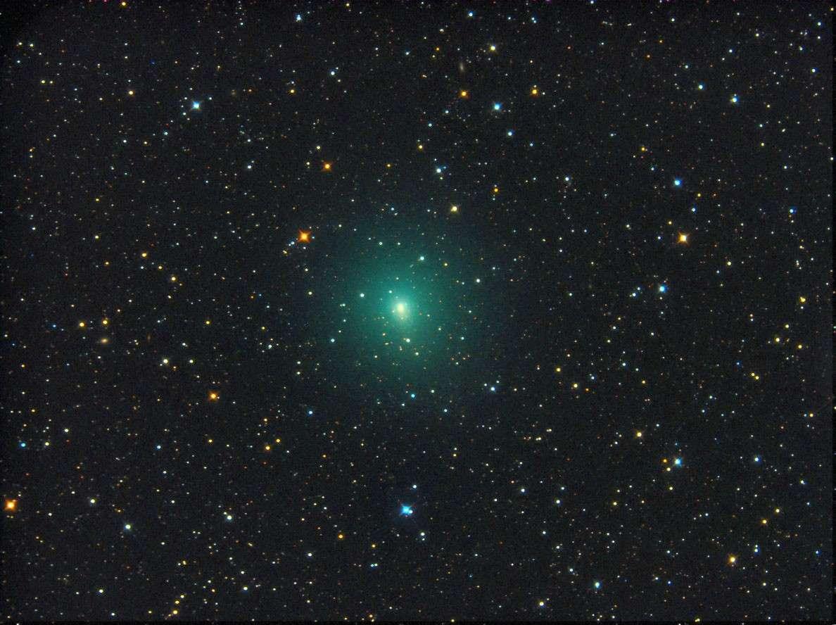 La comète 103P/Hartley 2 photographiée le 5 septembre à l'aide d'un télescope de 20 centimètres de diamètre et d'une caméra CCD. © Michael Jäger