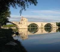 Avignon, surnommée la Cité des papes, est la plus grande ville du département du Vaucluse et compte plus de 500.000 habitants. © DR