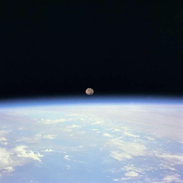 L'atmosphère de la Terre vue de l'espace. Crédit : Nasa