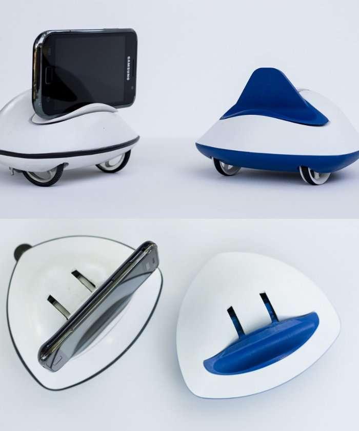 Le minirobot Botiful, entièrement conçu et réalisé par Claire Delaunay, est pour le moment réservé aux smartphones Android compatibles avec l'application Skype. © Claire Delaunay