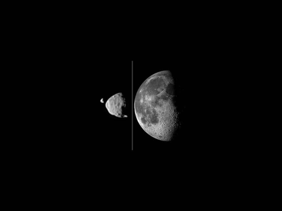 Dimensions comparées de Déimos, Phobos et la Lune. Notre satellite est particulièrement grand, proportionnellement à la taille de sa planète, la Terre. Inversement, Déimos (15 × 12 × 10 km) est très petite par rapport à Mars. Phobos (27 × 22 × 18 km) est de volume modeste et de forme irrégulière. © Nasa, JPL-Caltech, Malin Space Science Systems, Texas A&M University