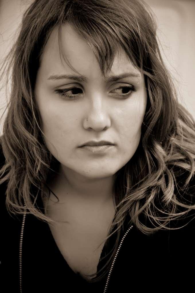 Les femmes jeunes sont de plus en plus victimes d'infarctus du myocarde, mais en meurent quand même moins que les hommes. Seulement peu à peu, l'écart se réduit... Elles ont de quoi être inquiètes ! © Joseasreyes, StockFreeImages.com