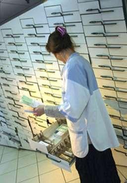 Les médicaments Tanakan, Tramisal, Vitalogink, Ginkogink, Ginkgo Biogaran et Ginkmongo ont été réévalués par l'Afssaps. Leur rapport bénéfice/risque est défavorable. © Phovoir