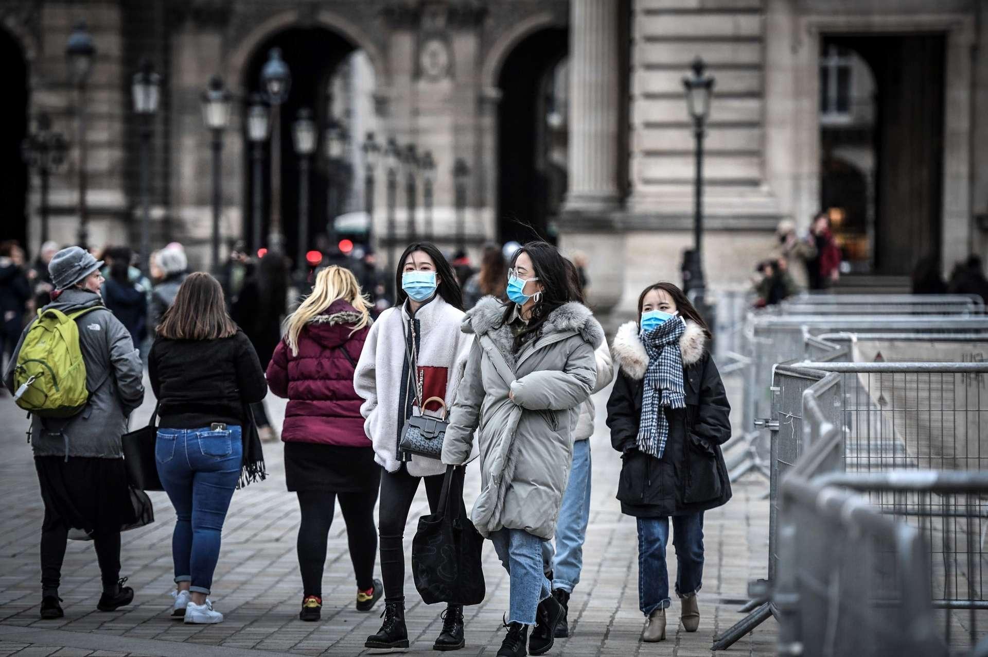 Le nouveau coronavirus inquiète près de deux-tiers des Français, davantage que d'autres épidémies comme la grippe A/H1N1 de 2009 ou Ebola. © Stéphane de Sakutin, AFP