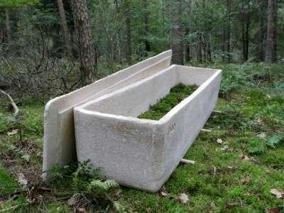 Ce cercueil « vivant » ne coûterait que 1.500 €. Bien moins que certains cercueils en bois. © Handout, Loop Biotech, AFP