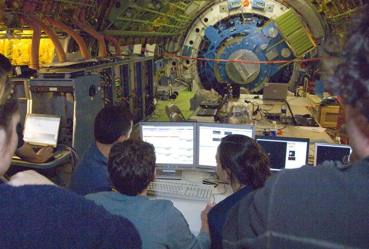 Le télescope Sofia pendant une série d'essais. A cette époque, le Boeing n'avait pas encore été compartimenté. Crédit Nasa / Tom Tschida