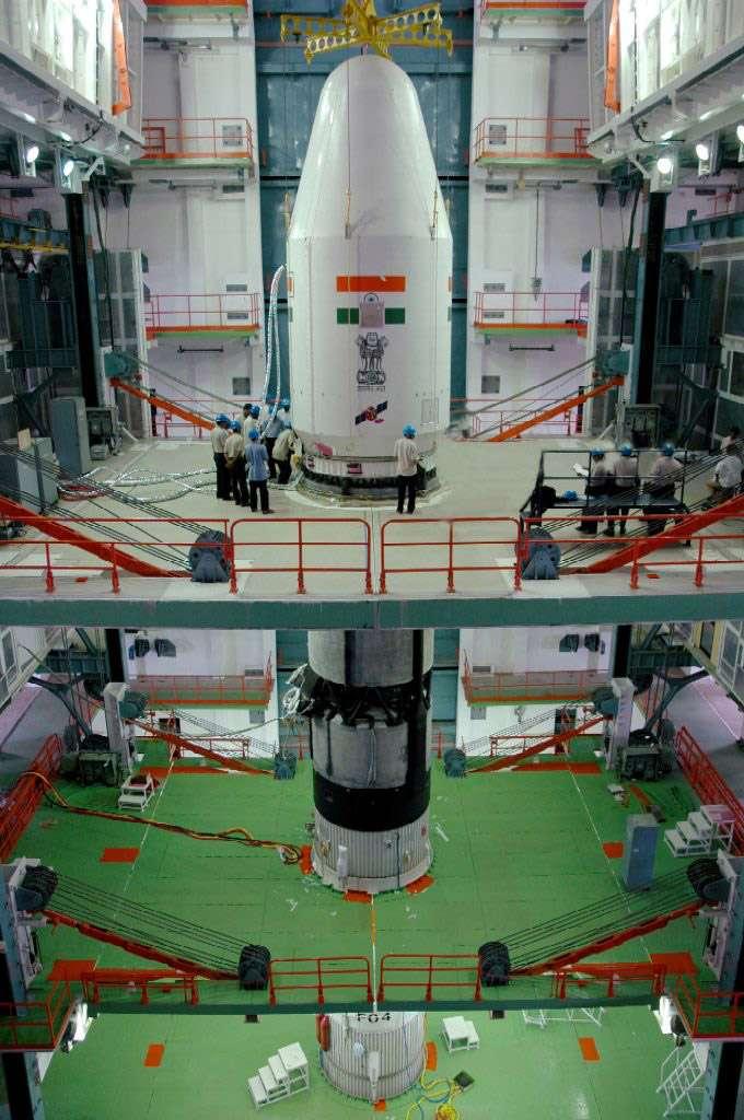 Le lancement du lanceur GSLV, portant l'étage cryogénique indien (CUS), dénommé GSLV-D3, est prévu le 15 avril. Crédit Isro
