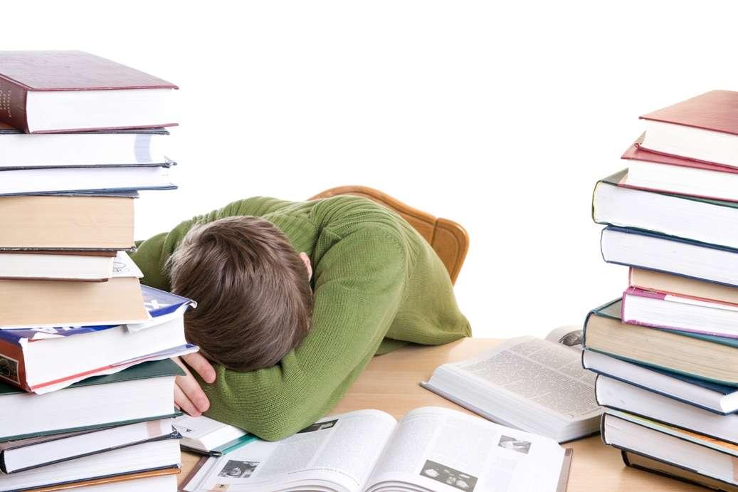« Heureux l'étudiant qui, comme la rivière, peut suivre son cours sans quitter son lit. » Apprendre tout en dormant a toujours fait rêver et pourrait un jour devenir réalité. Mais devons-nous réellement le souhaiter ? © Ustyujanin, StockFreeImages.com
