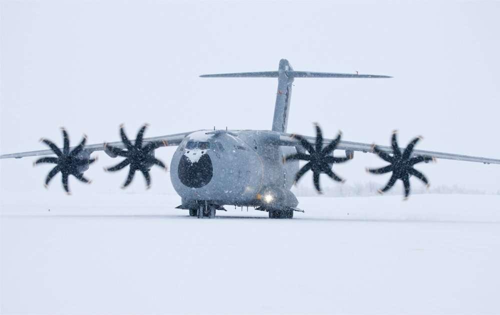 L'Airbus A400M, avion de transport militaire, sera présenté au Bourget mais ne fera pas de démonstrations en vol en raison d'un problème affectant les moteurs. © Airbus/e'm Company / A. Domenjou