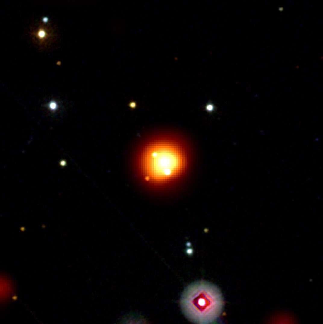 Images composites données par les instruments de Swift. En jaune et orange, l'image de GRB 080913 en gamma et X, le reste est en ultraviolet et dans le visible. Crédit : NASA/Swift/Stefan Immler