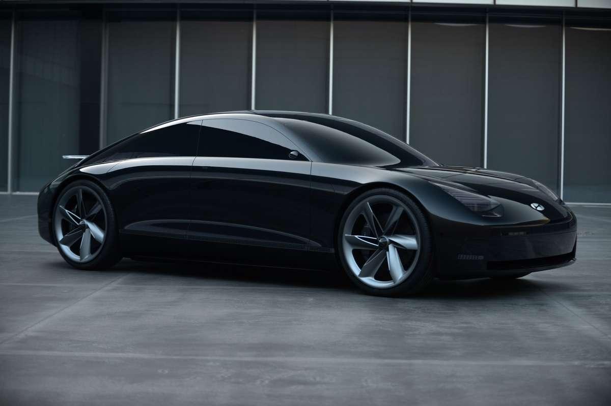 La Hyundai Prophecy tranche avec ses lignes très douces et lisses alors que nombre de concept-car actuels cultivent un style futuriste et très sportif. © Hyundai